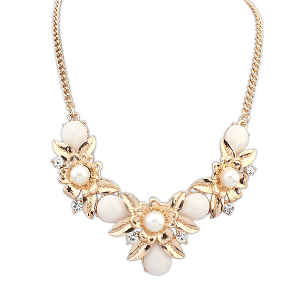 Simple Gold Necklace Indian Style
