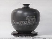 Restoring ancient ways of shandong longshan black ceramic vase arts and crafts, The graven tiger