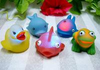 2015 plastic animal toy duck LED