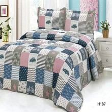 Comfortable soft touch child bed cover