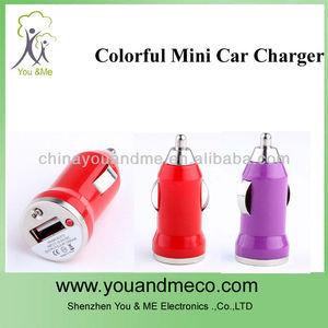 Fashionale универсальный красочные мини-usb автомобильное зарядное устройство для iphone 5 4g 3g 3gs