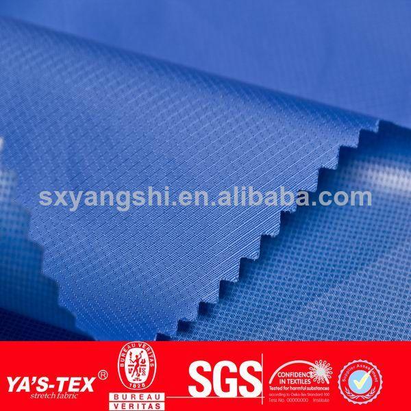 impermeable al aire libre 10000mm capa de la pu tafetán del <span class=keywords><strong>poliester</strong></span> tela de la chaqueta