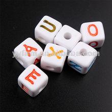 Venta al por mayor cuentas chunky, acrílico 12*12mm alfabeto cuentas, color mezclado cuentas carta para la fabricación de joyas