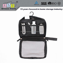 2015 fashion hanging cosmetic travel bag set