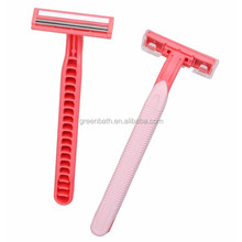 safety razor with blade