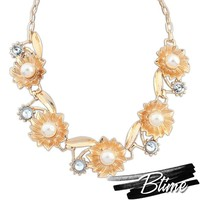 Europe Unique Design Gold Flower Crystal Necklace Fashion Jewelry Fashion Imitation Pearl Necklace