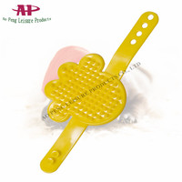Dog Products Rubber Material Hand Palm Shaped Shower Bath Massage Brush Dog Hair Cleaning