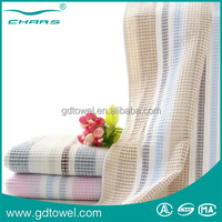 Yarn dyed towel in best quality cheap waffle bath towel made in China