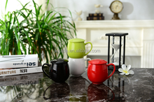 Hot sale Creative ceramic mug with lid and handle/Colored porcelain mug