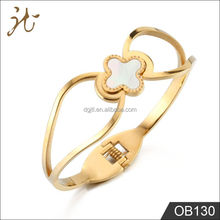 IP Gold Lucky Four Leaf Clovers Bangle with Double Vesicle Buckle