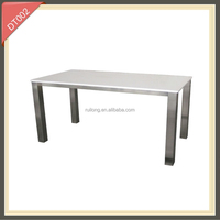 White high gloss lacquer dining room table