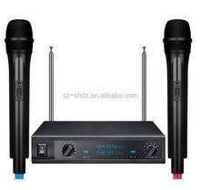 Factory price cheap colorful earphones waterproof portable speaker dynamic led lighting bluetooth headphones