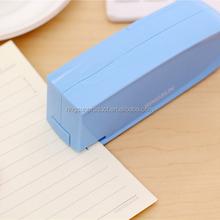 ฟรีค่าจัดส่งขายส่งเครื่องเขียนโรงเรียนและสำนักงาน12แผ่นมินิเย็บกระดาษไฟฟ้า