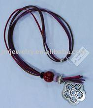 Dark red color fashion jewelry necklace accessory 2012