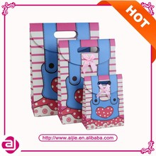 Factory direct sale birthday paper bag manufacturer