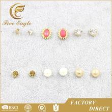 El último diseño moda de la joyería costumn ronda de bolas shinny diamante espárragos empacar en promoción