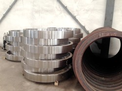 Elastic railway wheels and tyres for light rail vehicles and street car