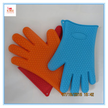 Resuable durable non stick food grade novelty silicone oven mitts, snake silicone oven mitt, silicone pig oven mitt