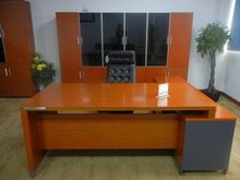 China manufacturer modern plywood mfc office executive desk hardware cheap wooden office desk with partition leather top