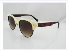 Variety of stylish explosions wood sunglasses