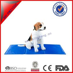 pet carrier with wheels cooling mat