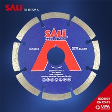 Factory selling for free sample dry cutting diamond segment saw blade for asphalt