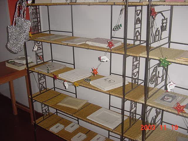 free standing display shelf buy display shelf product on. Black Bedroom Furniture Sets. Home Design Ideas