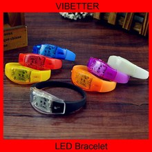 Be different!!!Sound sensor flashing led wristband,sound activated led wristband,led party bracelet with multi color