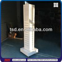 TSD-W014 custom retail store wood floor rotating hanging display stand/shang bag display rack/latwall 4 panel tower