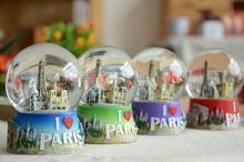 zakka de construcción de la moda de parís de bola de cristal con la luz pequeña decoración personalizada de bola de cristal
