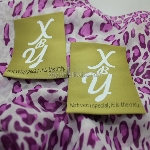 Factory direct customized garment center fold label