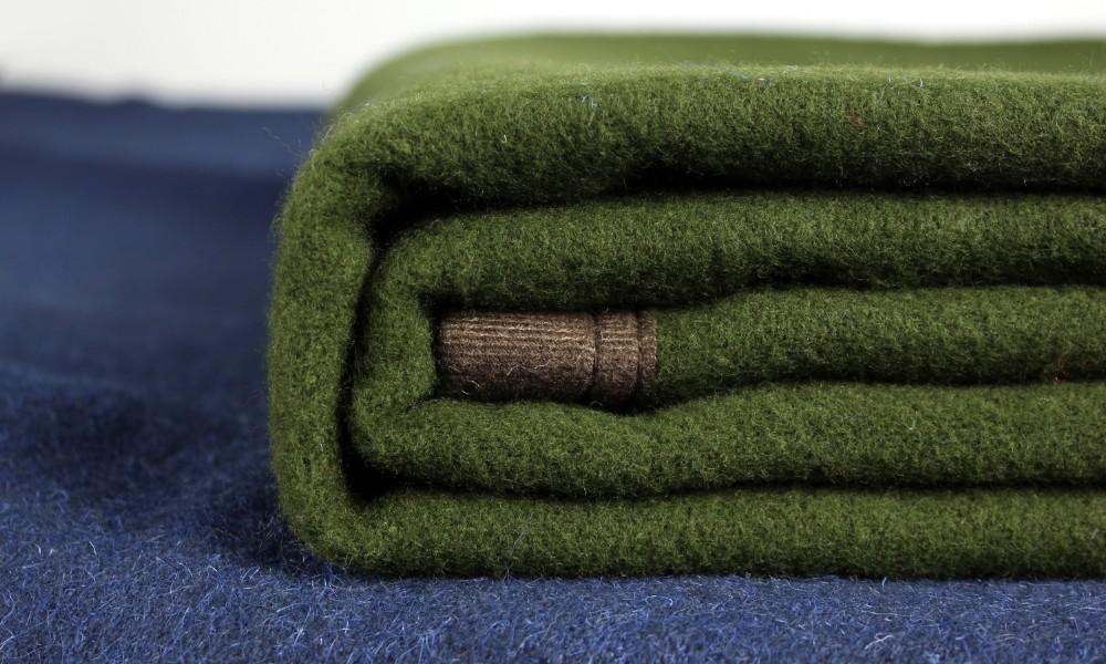 haute qualit personnalis plaid pais chaud polyester polaire 100 laine de couverture. Black Bedroom Furniture Sets. Home Design Ideas