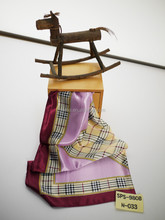 All fitting style graceful purple square stain scarf