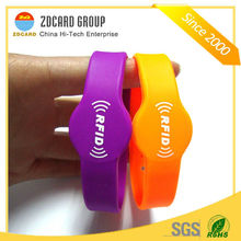 OEM HF UHF waterproof woven silicon RFID wristband for Security Party Management and so on