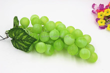 Plastic green Grapes with Leaves - 85 gains