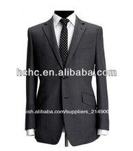 el ajuste moderno dos botón de hombres de negocio traje