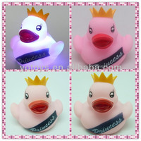 YTFT008 LED flashing toy for baby rubber duck flashing toy