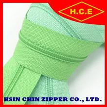 Taiwan zipper manufacturer 45 cm finished auto lock or pin lock #5 nylon zipper bag