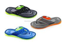 Good quality and cheap price men top embossed sole flip flops wedding beach flip flops