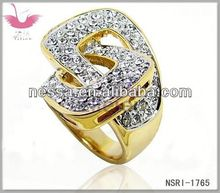 Wholesale timeless white heart shaped rings with skeleton golden flower pattern & dazzling crystal