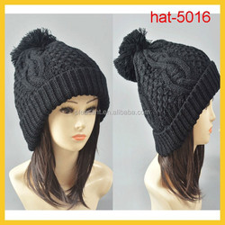 Fashion Warmer knitted beanie hat with pom
