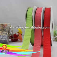Supply polyester satin ribbon with cutting