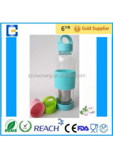 Fruit infuser BPA free Water glass bottle with silicone sleeve