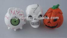 Giocattoli halloween, zucca di halloween, cranio, un occhio