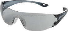 Trusco reliable safety goggle with anti fog lenses for various workplaces