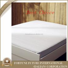 Anti ácaros del polvo de plástico cubierta de colchón para cama bugs bunny / colchón impermeable productor