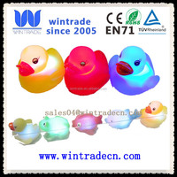 promotion cheap floating and flashing duck toy for kids