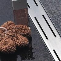 Fast flowing stainless steel shower floor drain