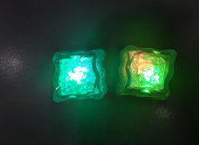 3.5cm Battery Replaceable LED Flashing Ice Cubes