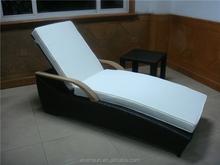 Popular Wicker/Rattan Sunbed Outdoor Furniture Sun Lounger